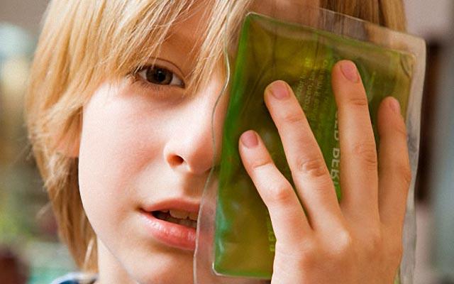 Синяки под глазами у ребенка причины и лечение