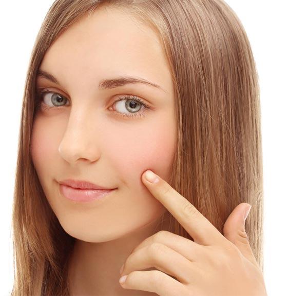 шелушится кожа причины и лечение