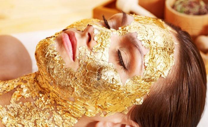 маска с золотом