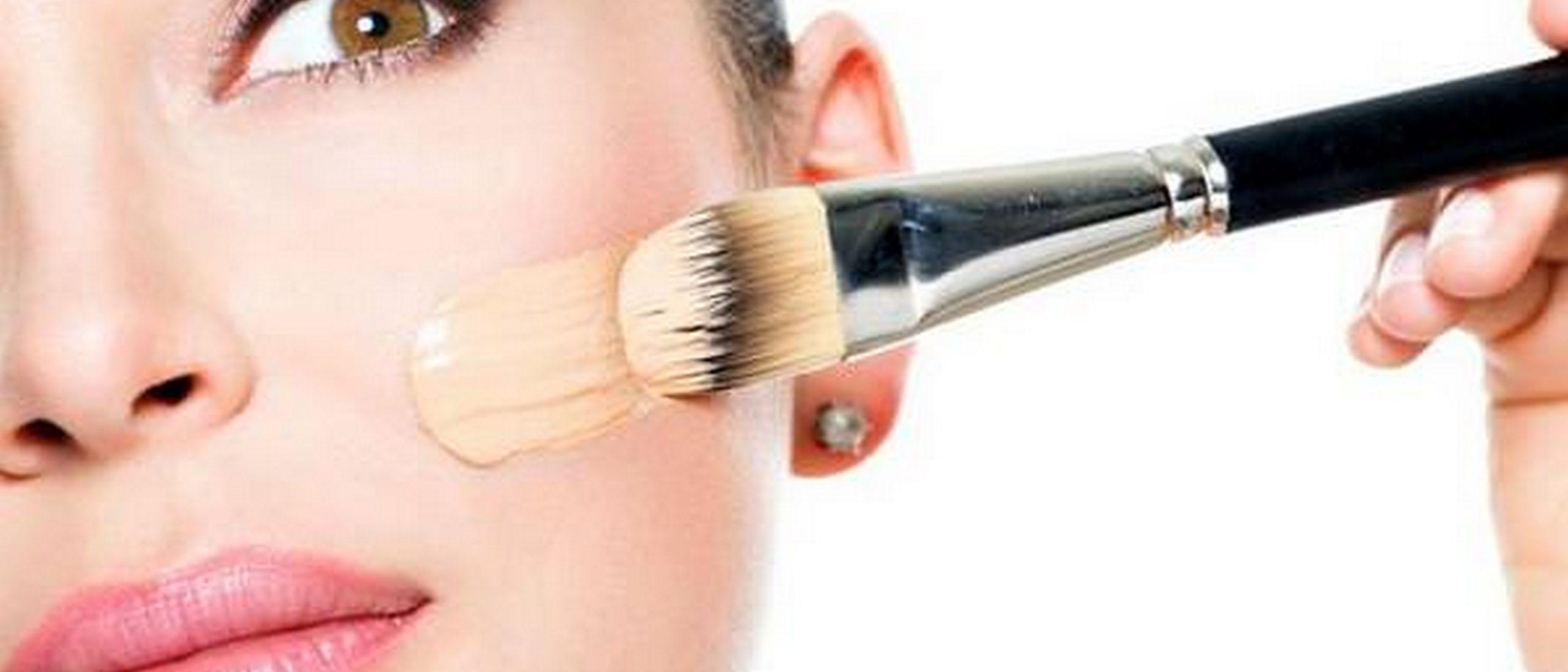 Как наносить тональный крем на лицо правильно