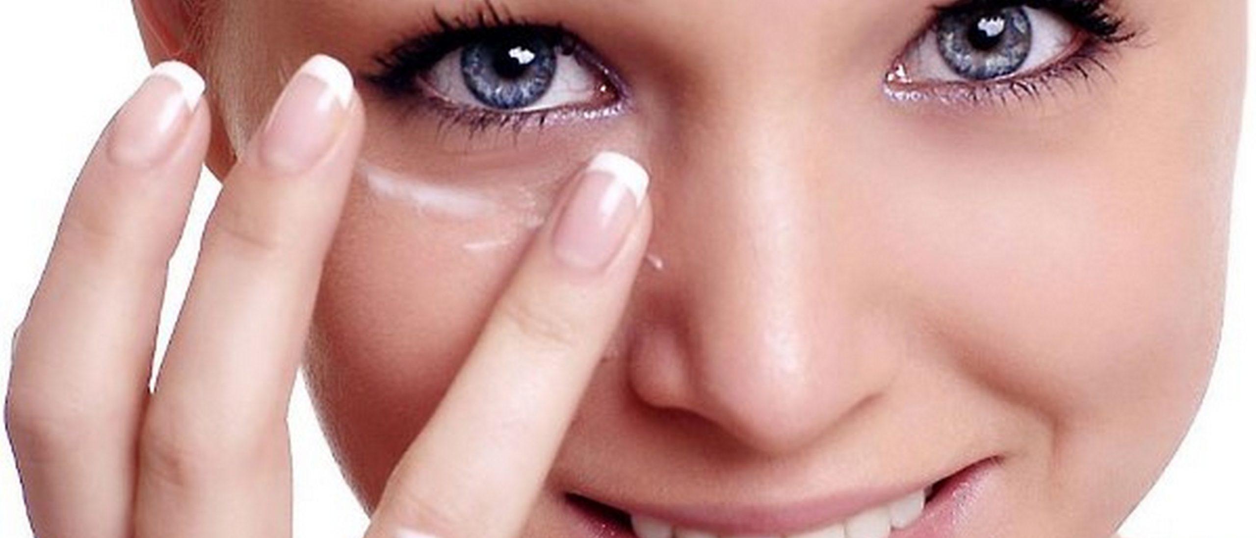 Почему шелушатся веки глаз